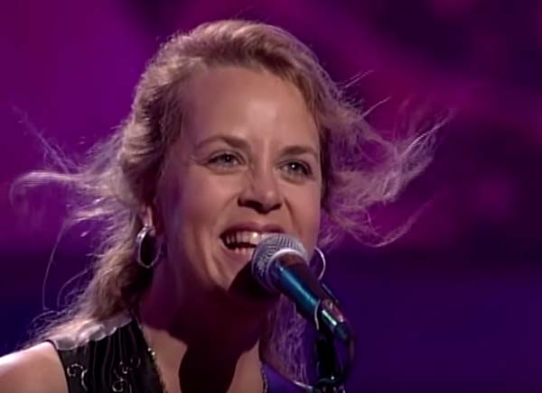 Music Friday: 'Last Night I Put My Ring Back On,' Sings Mary Chapin Carpenter