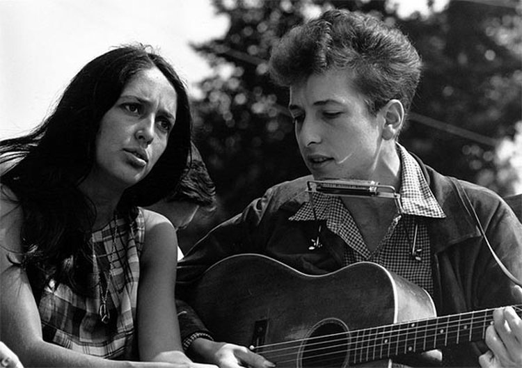 Music Friday: Joan Baez Recounts a Call From Bob Dylan in 1975's 'Diamonds & Rust'
